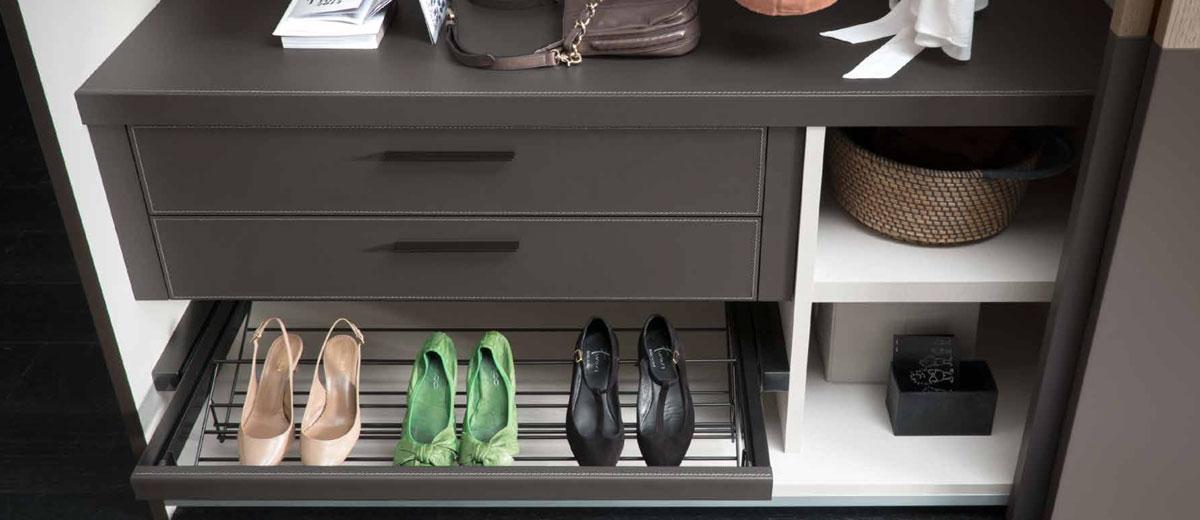 comment am nager un dressing sur mesure dans votre chambre. Black Bedroom Furniture Sets. Home Design Ideas