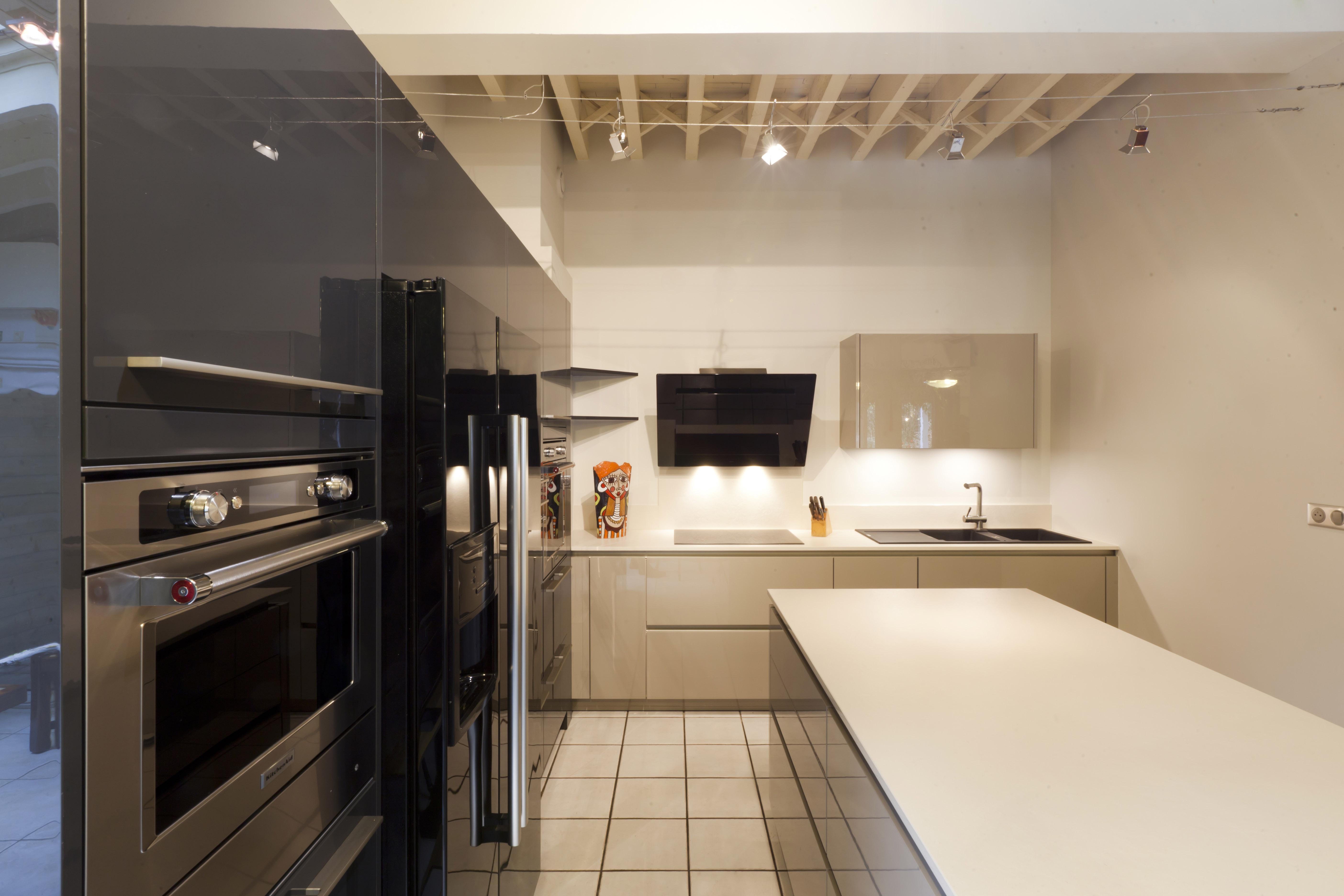 r novation cuisine cesson s vign idkrea rennes. Black Bedroom Furniture Sets. Home Design Ideas