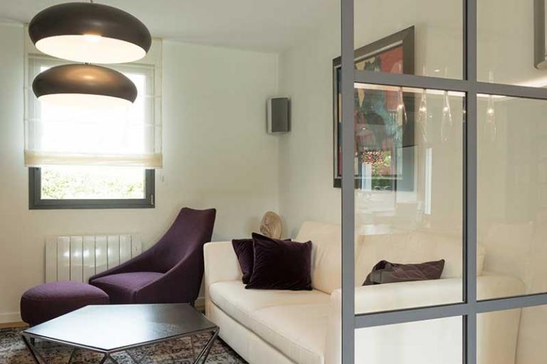 amenagement-interieur-de-salon-avec-une-verriere-style-contemporain-IDKREA-rennes-ille-et-vilaine