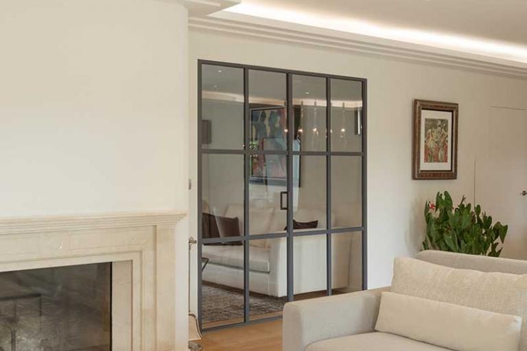 Aménagement intérieur de salon avec une verrière - Style Flamand - IDKREA, Rennes - Ille et Vilaine