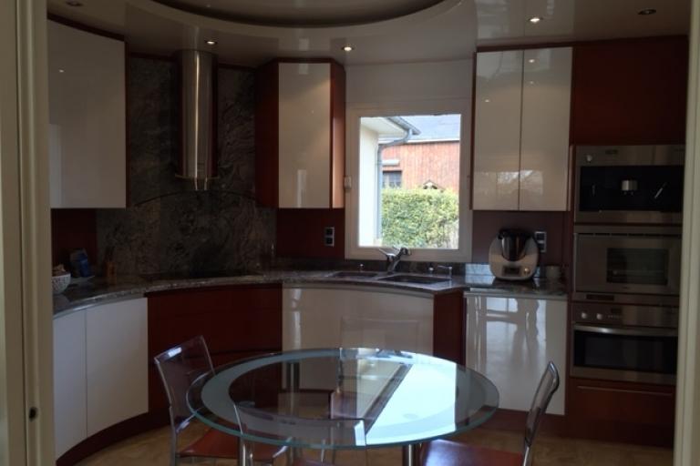 Bien-aimé Cuisine classique dans une extension de 30 m2 en Mayenne - Idkrea  IM07