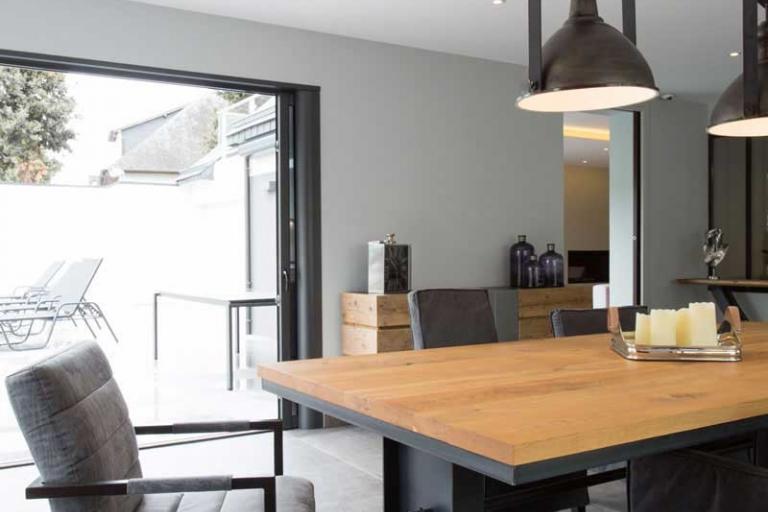 Table séjour bois massif - Style industriel - décoration d'intérieur unique et personnalisée – IDKrea, Rennes